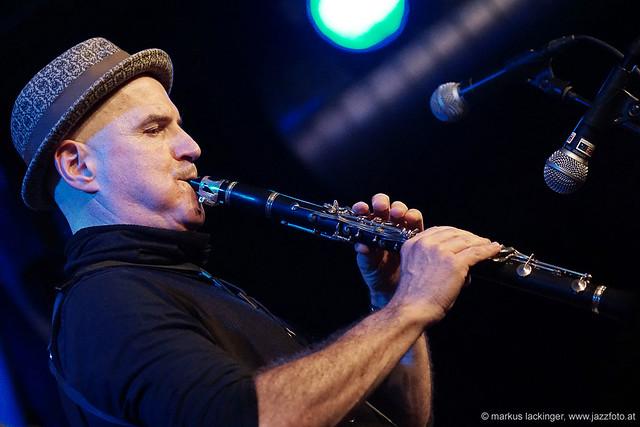 Manfred Wambacher: sax