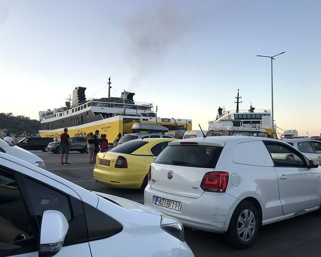Ferry en Grecia