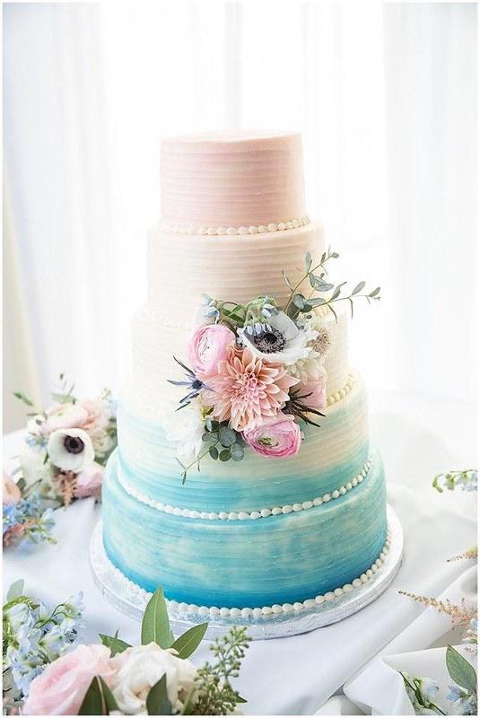 Cake by Fleur de Lis Gourmet Bakery, LLC