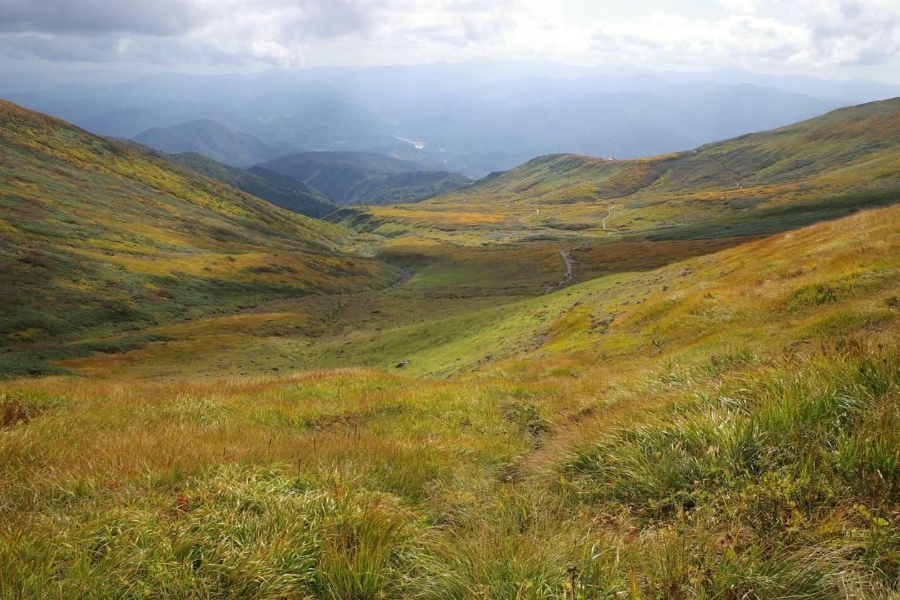 月山・賽の河原の草紅葉