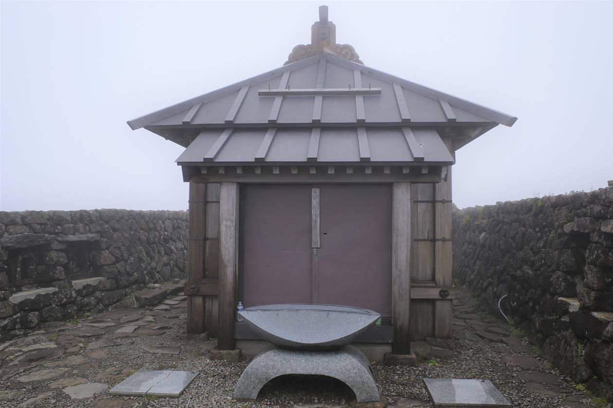 月山神社の社