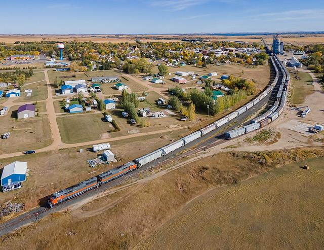 Dakota Missouri Valley & Western DMVW 5454, 5418 (SD50F) Garrison, North Dakota