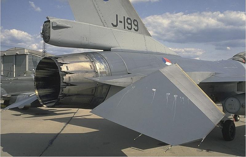 F-16 Harci Sólyom