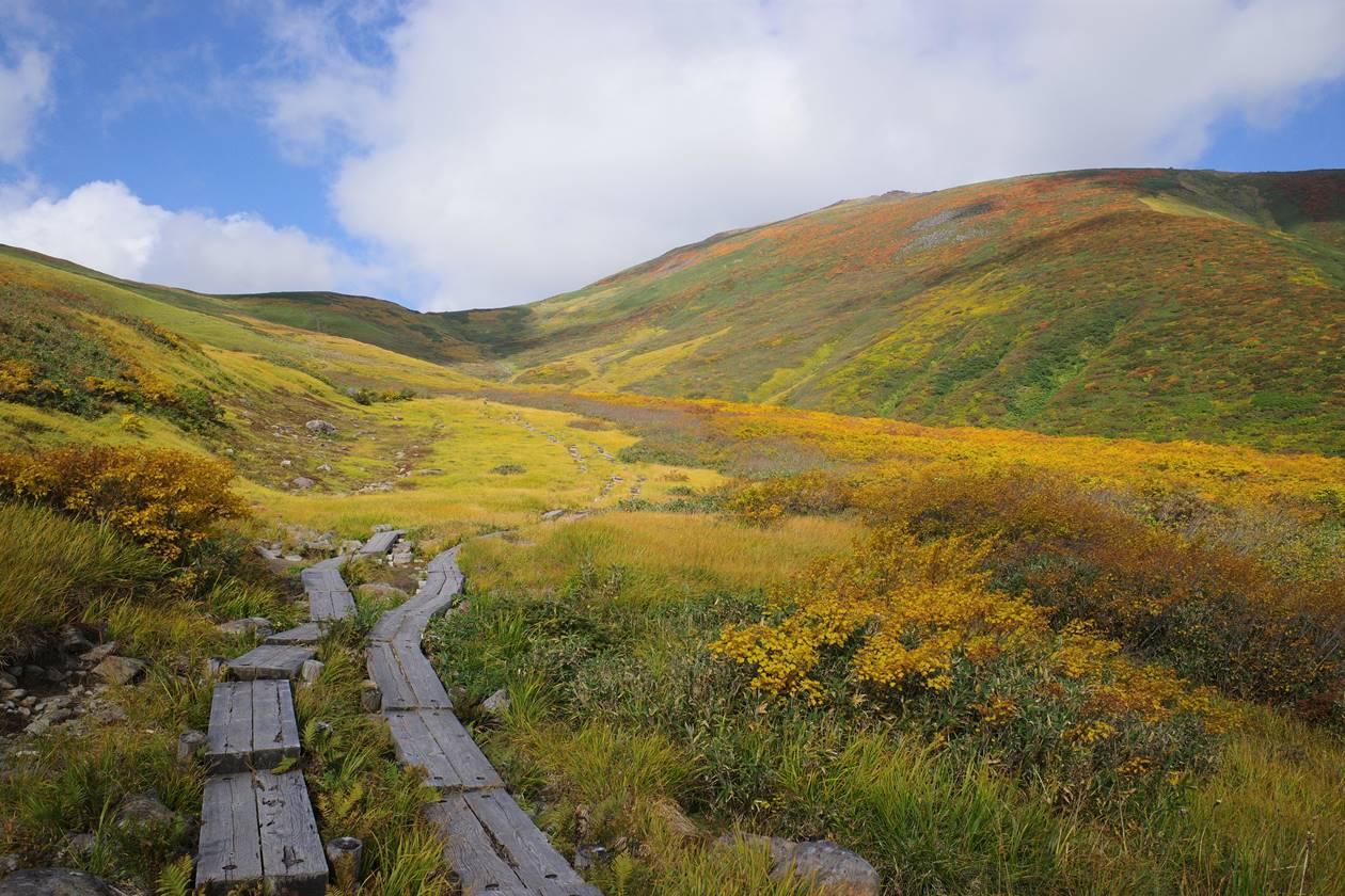 秋の月山~姥ヶ岳 日帰り紅葉登山