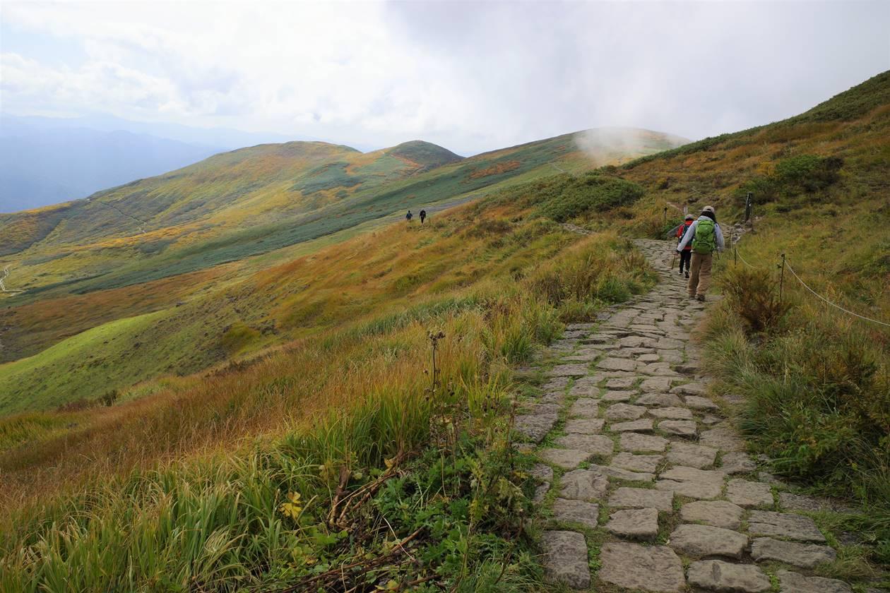 秋の月山 稜線ハイク