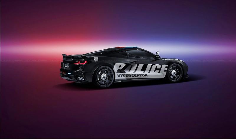 Chevrolet-Corvette-C8-Stingray-Police-Interceptor-renderings-3
