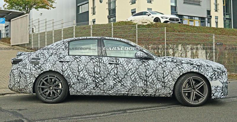 2022-Mercedes-AMG-C63-spy-shots-8