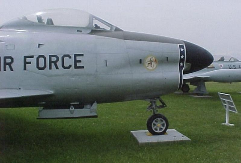 Северно-амерички Ф-86Д сабља пас