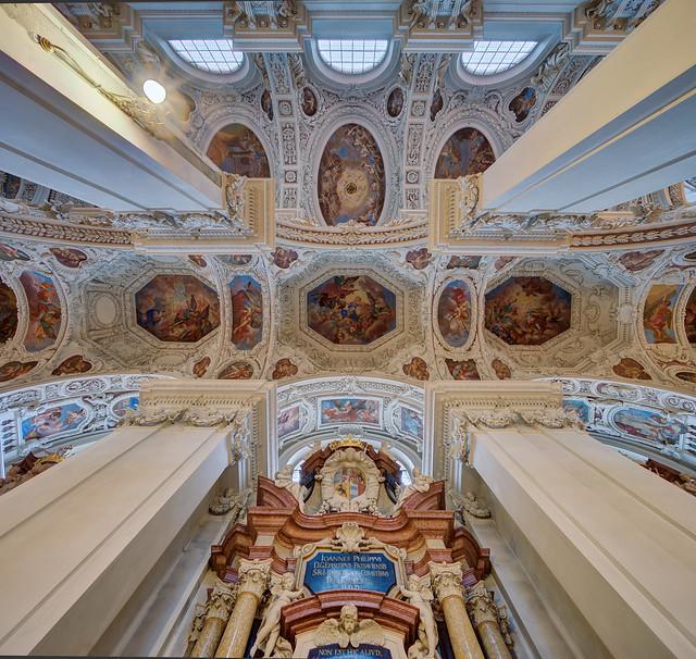 Passau, Dom St. Stephan, Seitenschiffdecke