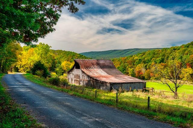 Backroad Barn (Explored)