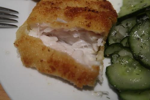 Paniertes Filet vom Victoriasee-Barsch (angeschnitten)