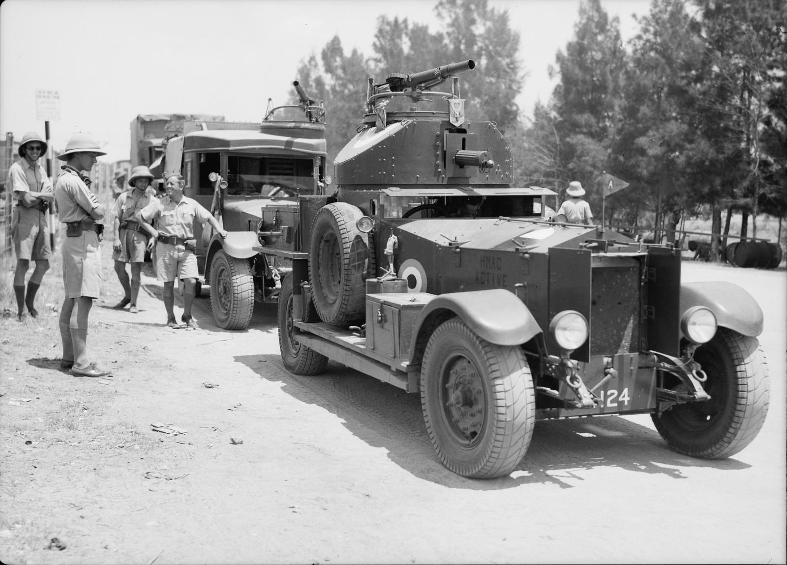 14. 11-й гусарский полк прибывает в Лод. Броневик готов отправиться в путь