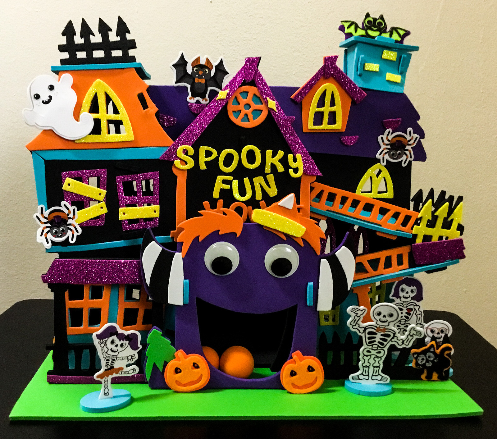 Spooky Fun House by Creatology