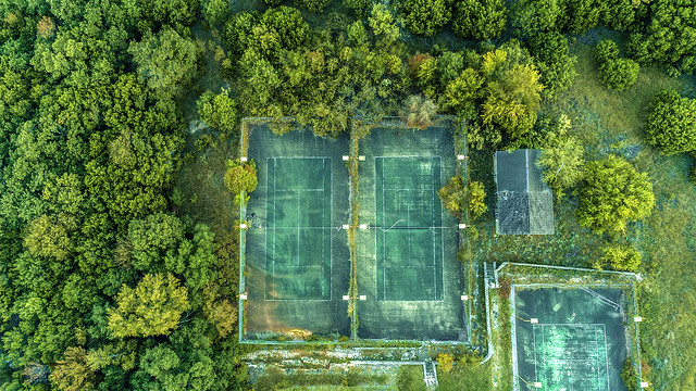 Abandon Tennis Courts