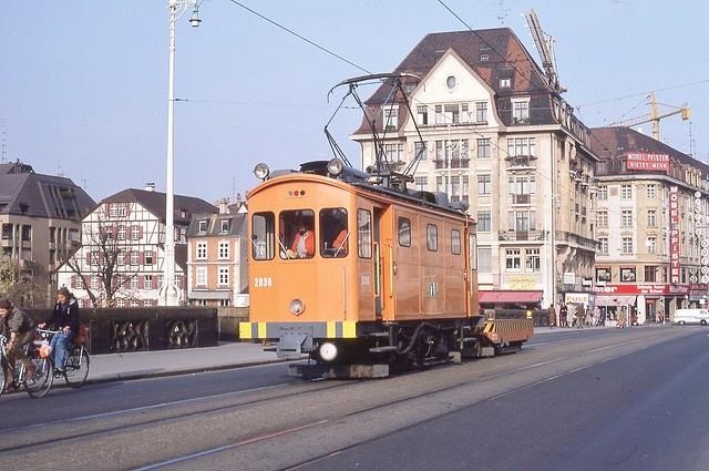 1982-11, Basel, Mittlere Rheinbrücke