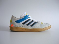 VINTAGE ADIDAS HANDBALL SUPER LO SPORT SHOES