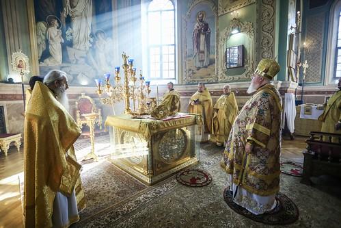 11 октября 2020, Митрополит Кирилл совершил Литургию в Казанском соборе Ставрополя