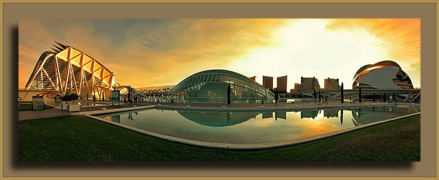 Valencia: Golden Hour at C.A.C. and Skyline