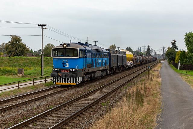 CDC 753 780 + bonte trein