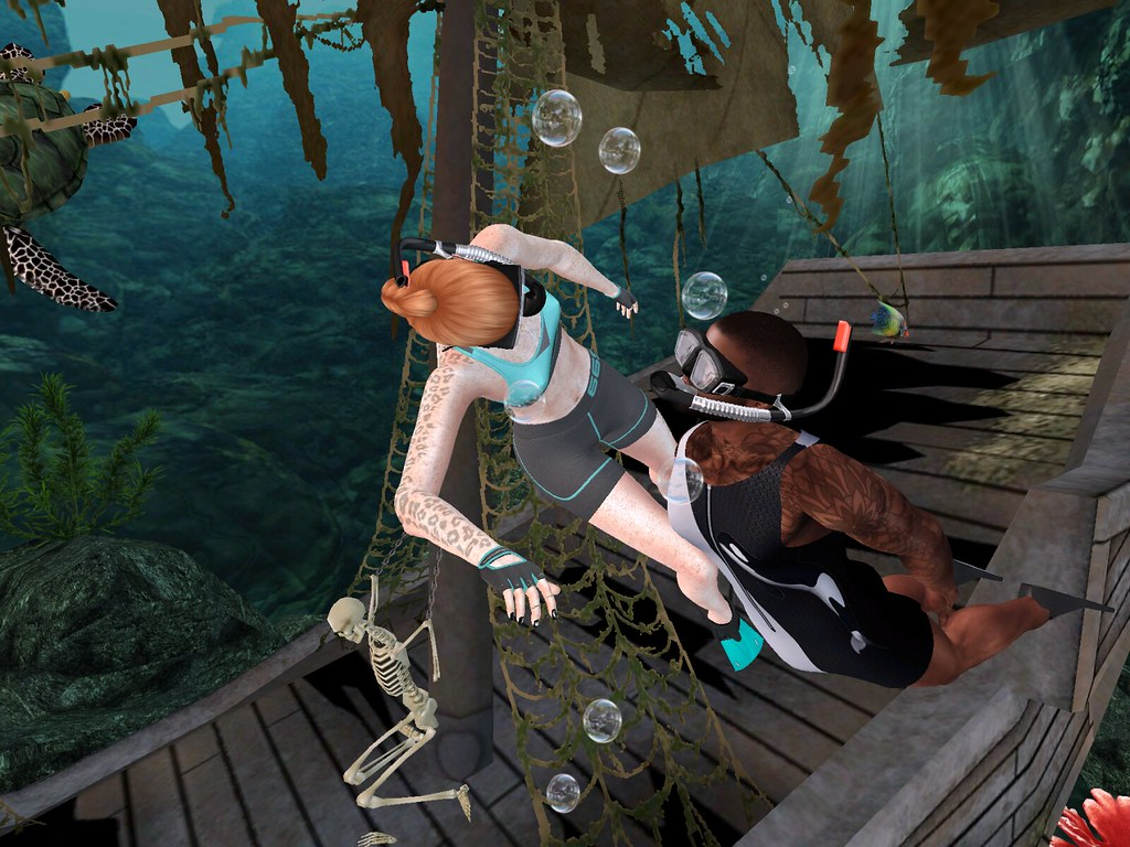 Underwater Pirate Ship – La vie en Pose – 10-25 October