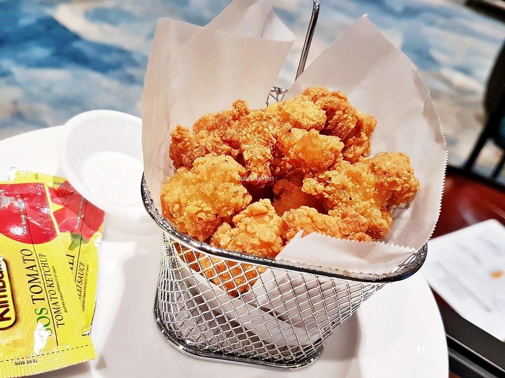 Changi Lounge 23 - Popcorn Chicken Basket