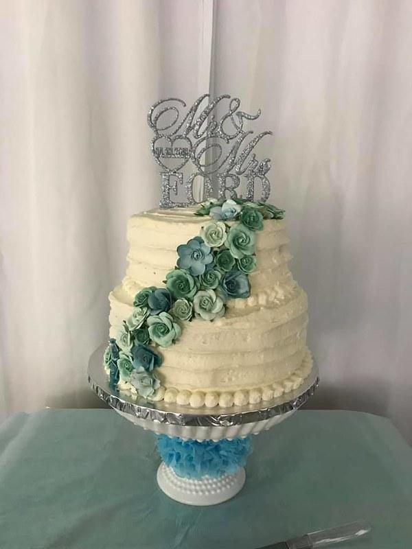 Cake by Sweet Deaux Treats