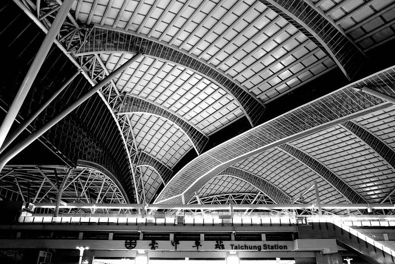台中火車站|高對比黑白