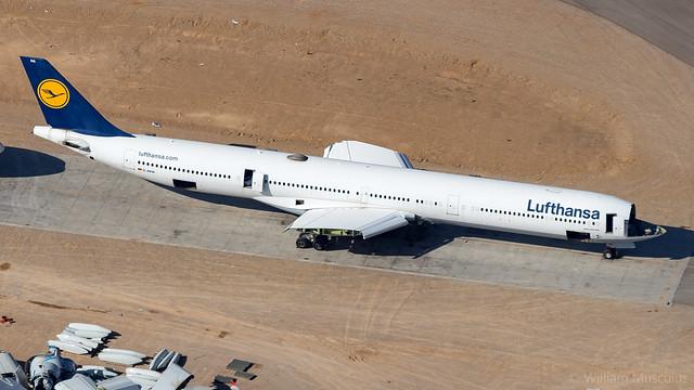 Airbus A340-642  D-AIHA Lufthansa