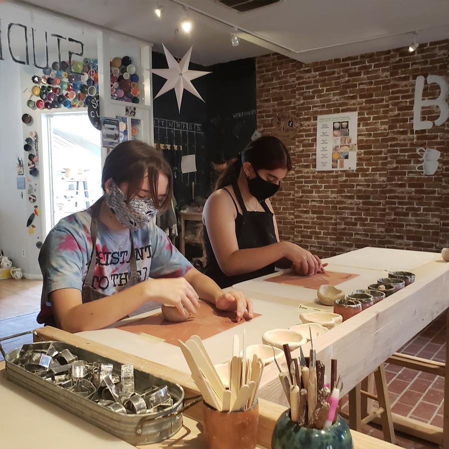 busy-pinching-pots