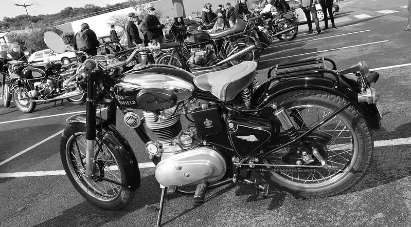 Royal Enfield 500 Bulllet 1977 ( made in U.K.) restauration totale -  50453450851_5051161b39_c