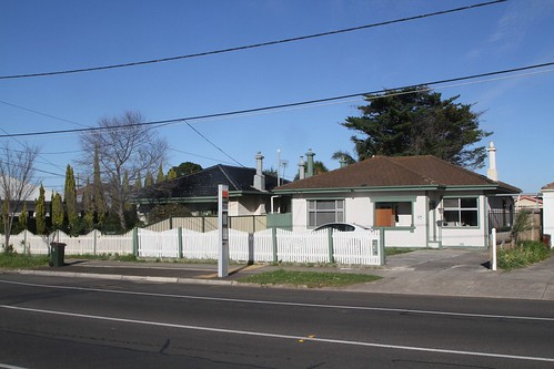 Heritage listed concrete houses at 51 - 53 Hampshire Road, Sunshine