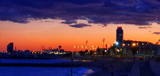 Skyline de Barcelona al capvespre