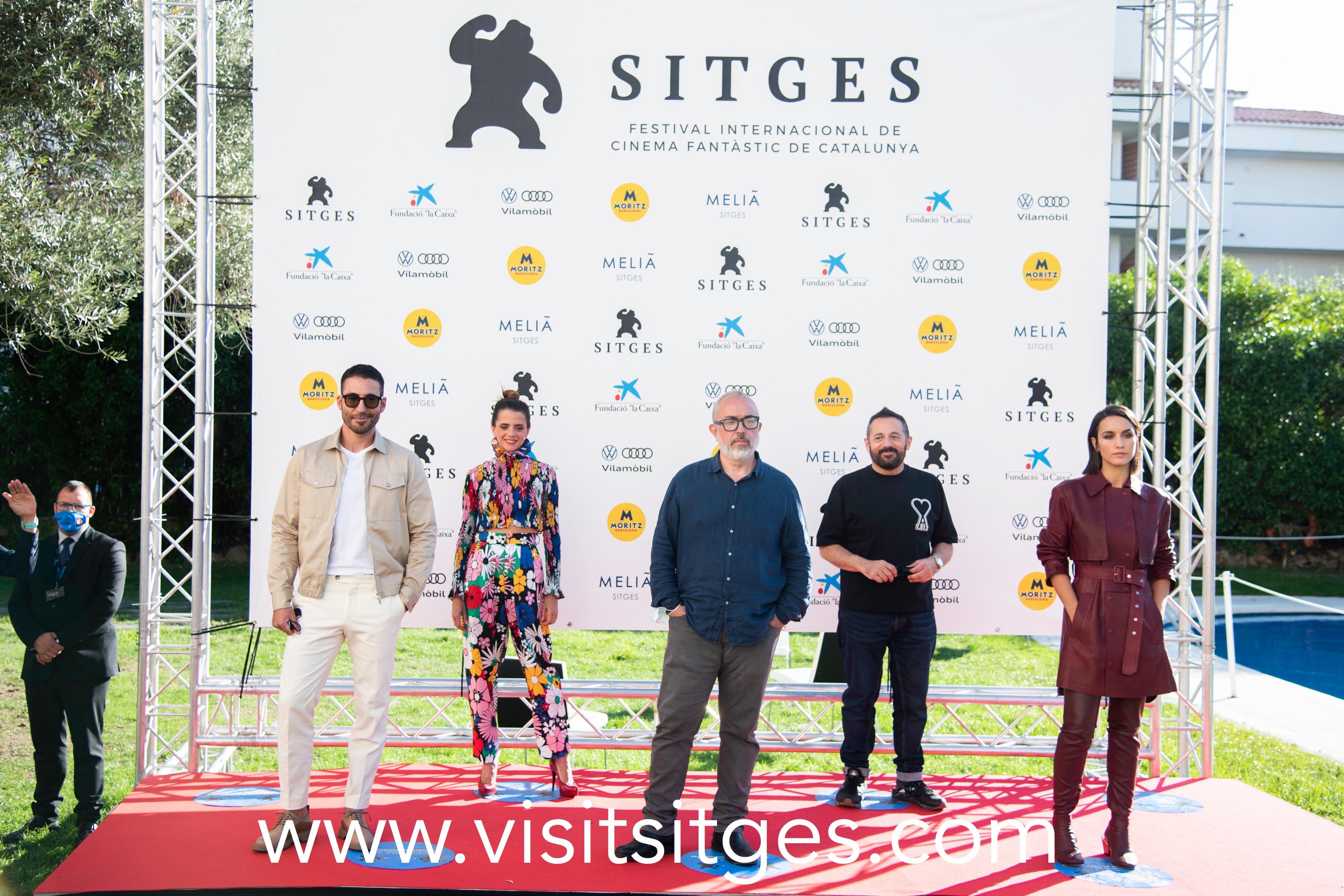 Equipo 30 Monedas en Sitges Film Festival 2020