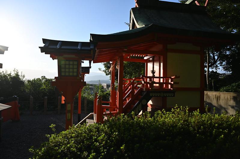 秋晴れ西日の吉田神社界隈