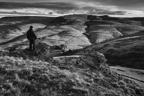landscape derbyshire peakdistrict darkpeak kinderscout mountfamine gritstone gritstonetors blackwhite monochrome