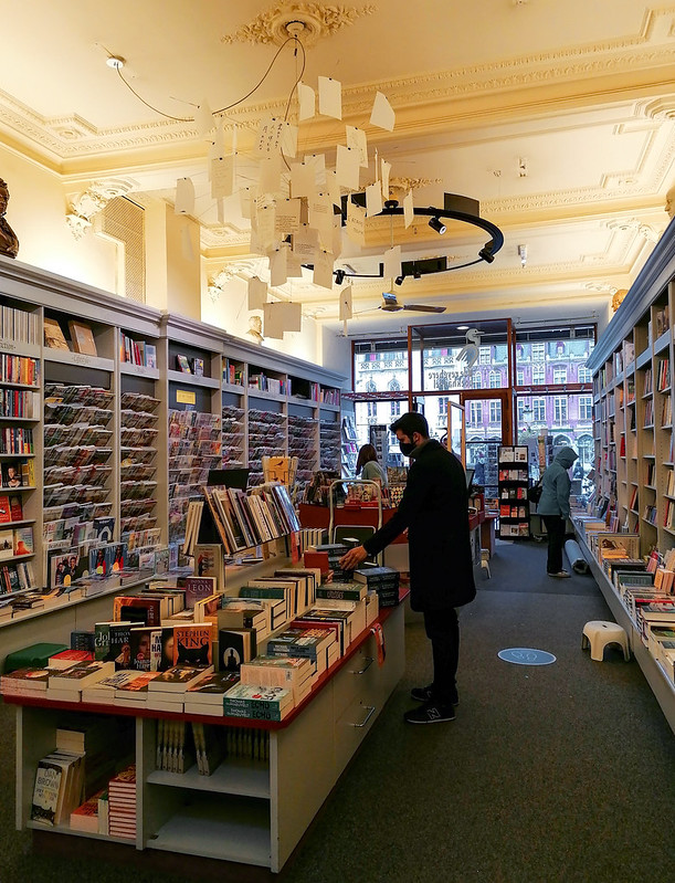 El interior de la librería Boekhandel De Reyghere