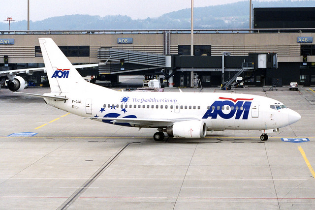 """AOM French Airlines Boeing 737-53C F-GINL """"The Qualiflyer Group"""" sticker"""