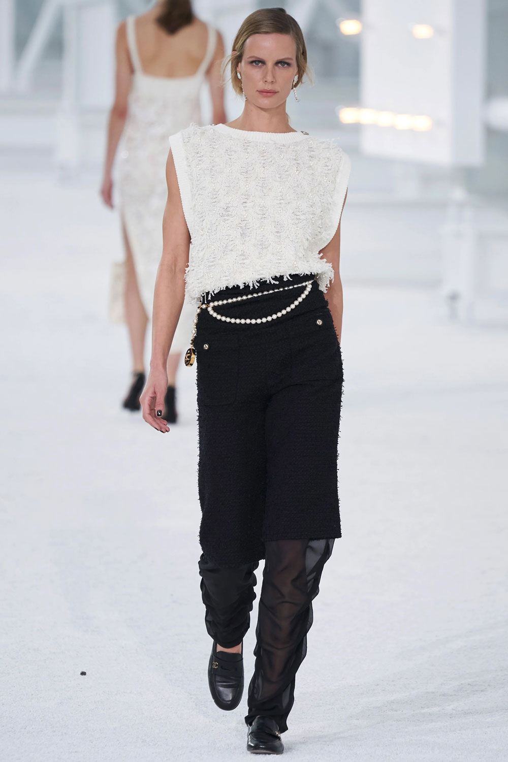 fashion_week_spring_2021_ready-to-wear_chanel_2