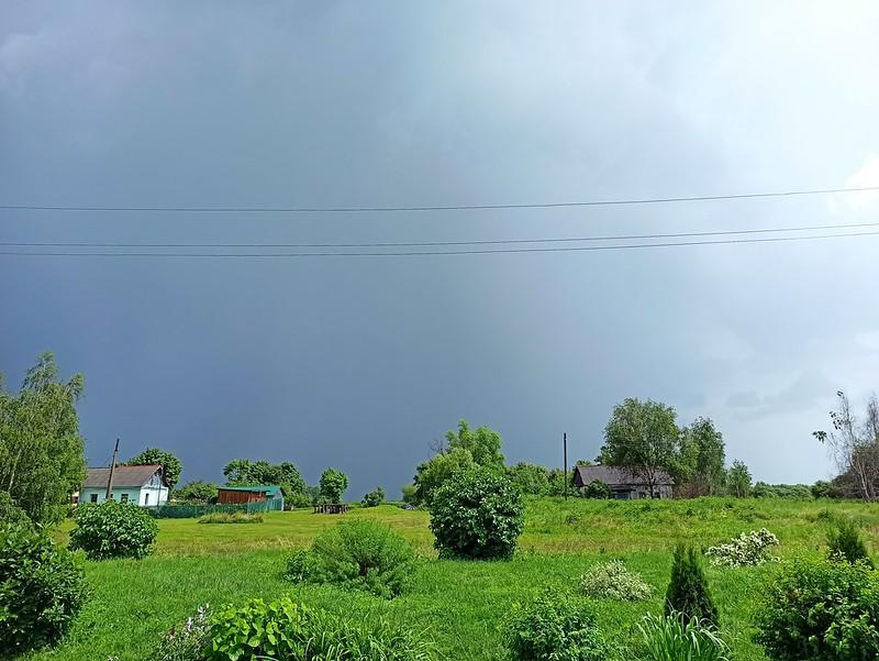 Дом Исаевых после дождя