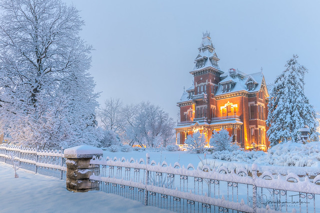 Vaile Mansion in Snow