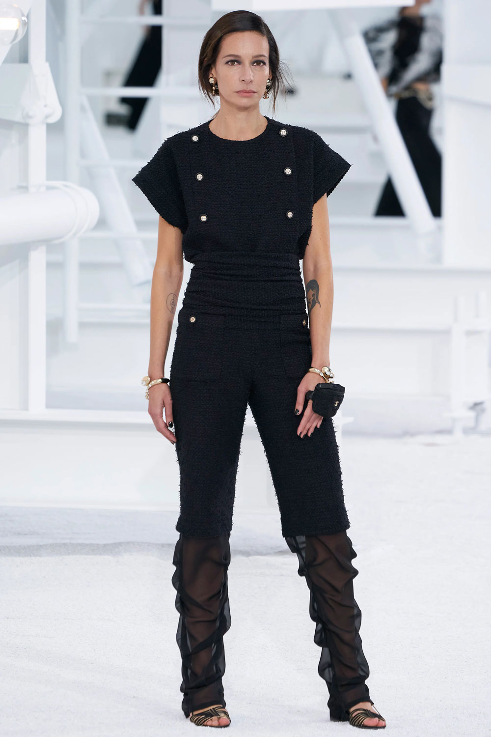fashion_week_spring_2021_ready-to-wear_chanel_5