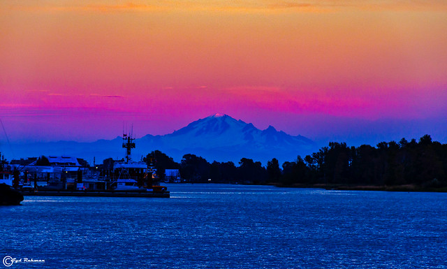Mount Baker from Garry Point Park, Richmond, BC, Canada