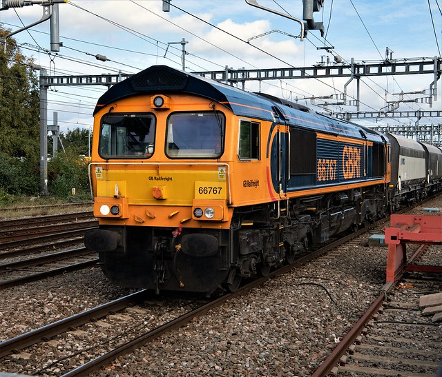 66767 on 6V34 Neasden to Pengam Sidings storming though  Swindon 07-10-20.