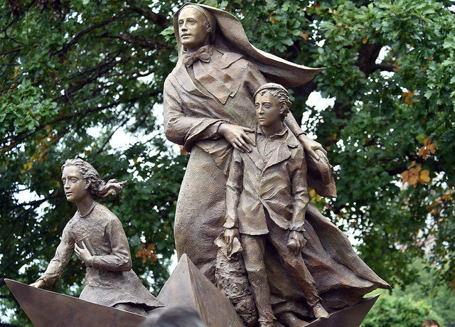 Governor Andrew M. Cuomo Dedicates Newly Installed statue of Mother Cabrini in Battery Park City