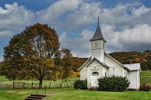 hanscreekchurch hanscreek church countrychurch monroecounty greenville wv westvirginia fallcolors mountains landscape bobbell nikon d850