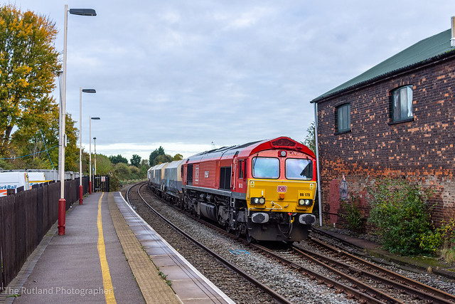6Z70 Dowlow Briggs to Ely Papworth Sidings at Oakham 66175 RAIL Riders
