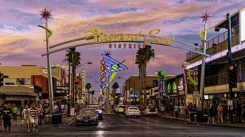 2017 america canon5dmarkiv fremontstreet lasvegas nevada streetphotography tamron45mmf18divc unitedstates downtown summer tourism travel neon sign sunset