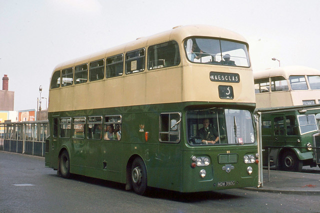 Newport Corporation Transport , South Wales . 90 MDW390G . Bus Station , Newport , South Wales . Sunday afternoon 05th-September-1971 .