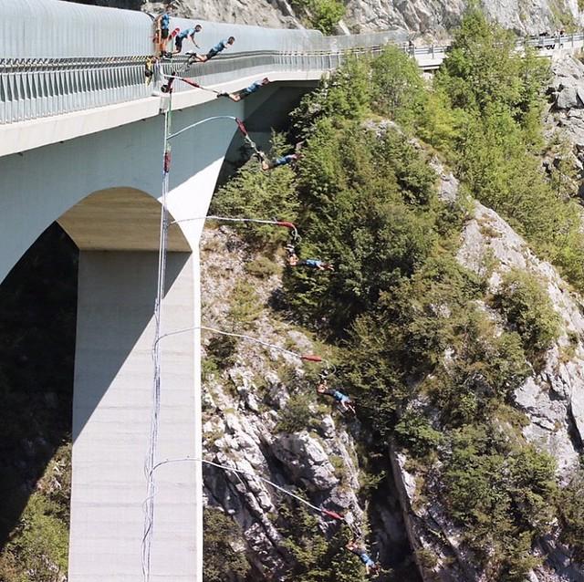 165 m Jump! Valgadena Bridge, 5 tallest bridge in the world! 🌎