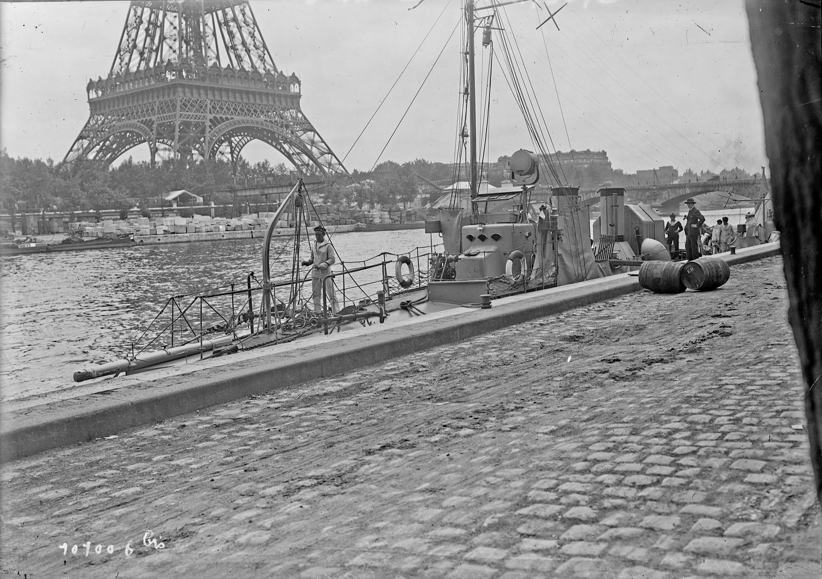 10. 1925. Военная флотилия в Париже
